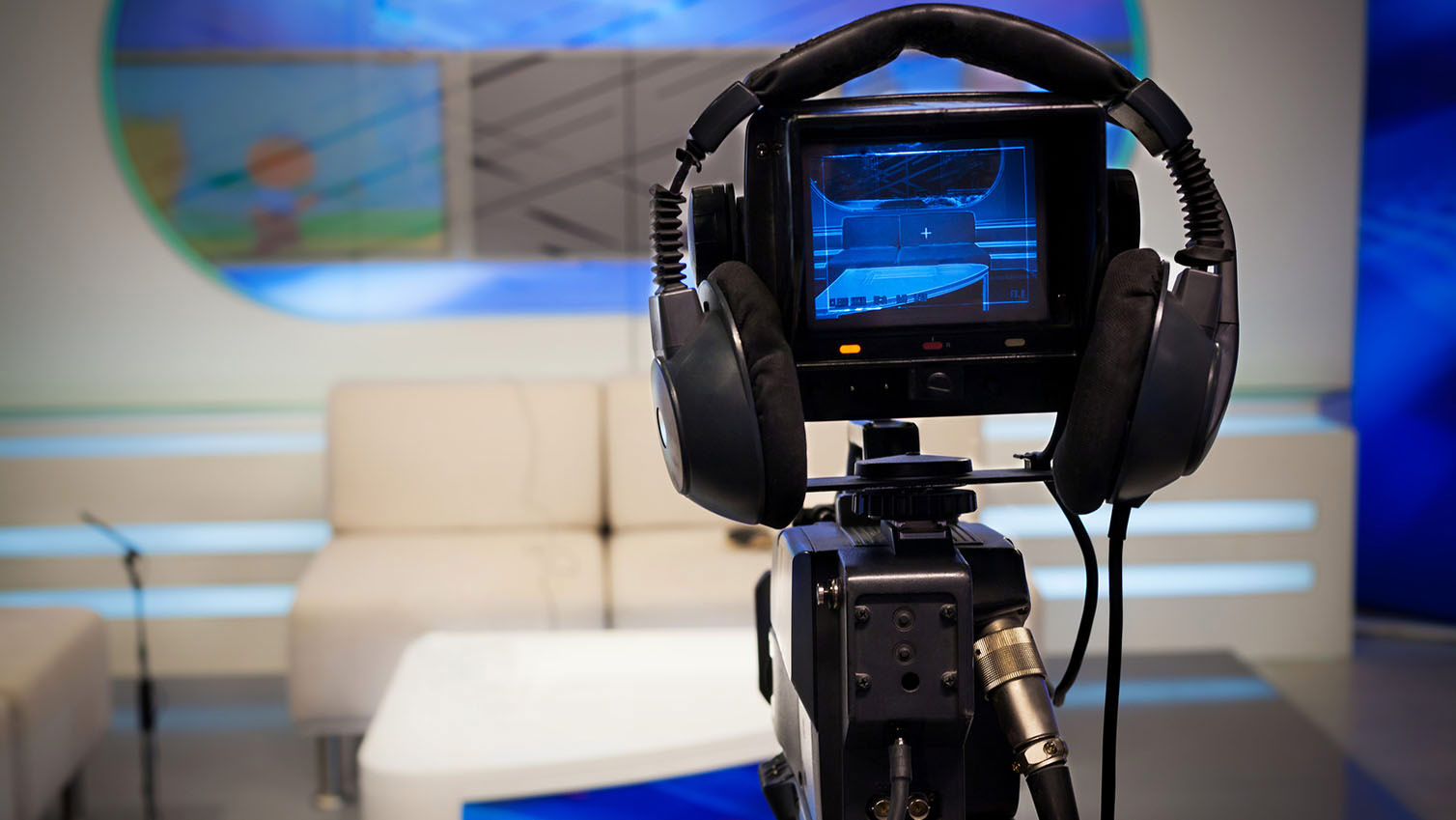 note of video broadcasting The history of broadcasting began with radio broad- note ・what's the news digital video broadcasting dab : digital audio broadcasting.