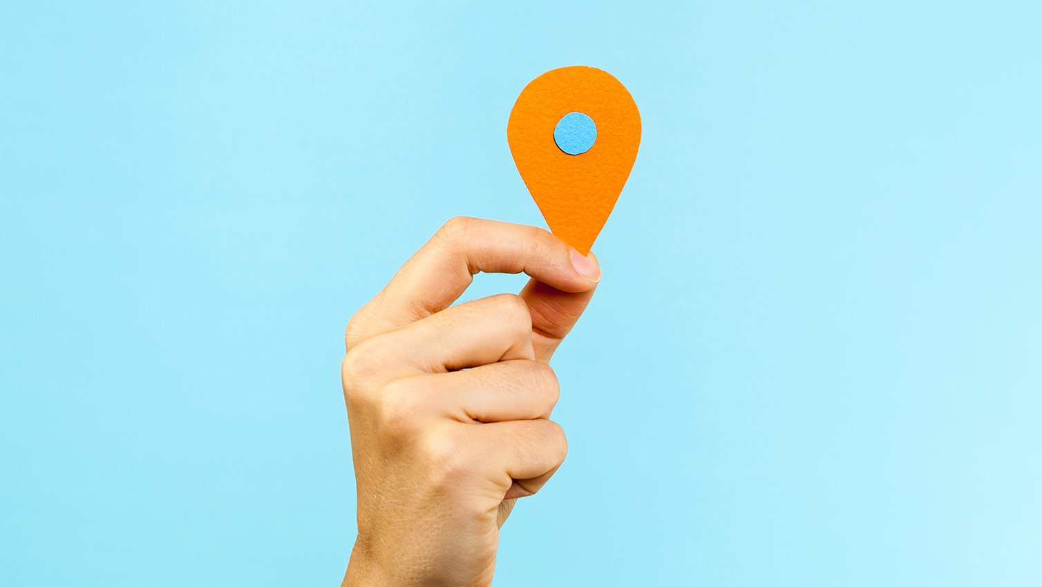 how to find geolocation from pictures
