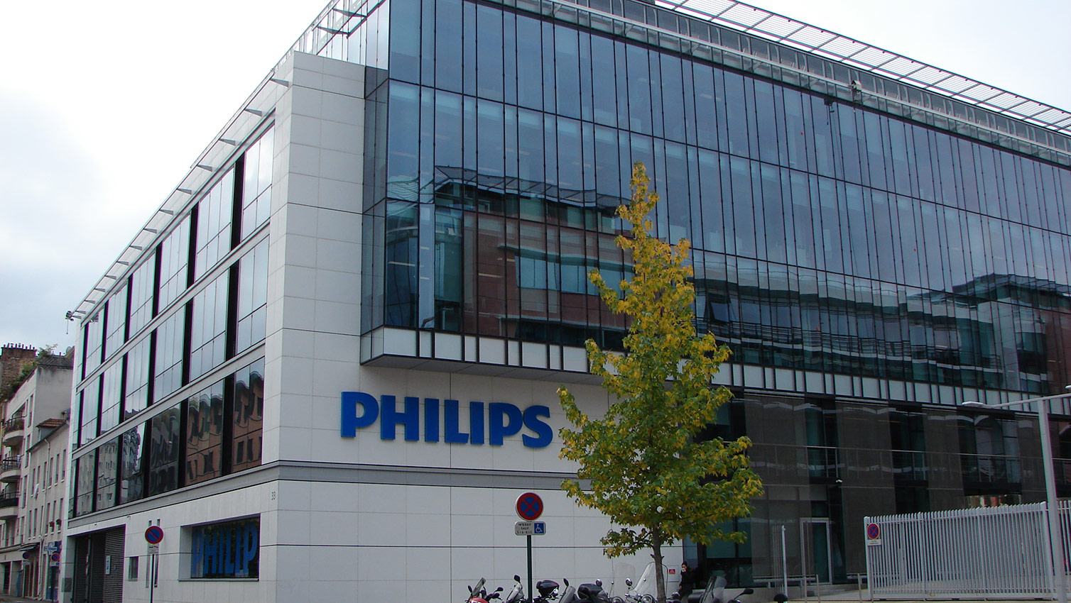 How Philips Embeds the Customer Decision Journey Throughout their Company